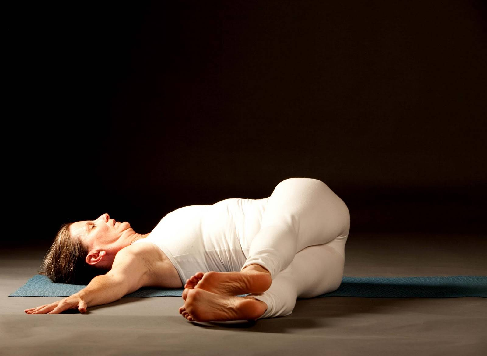 Васиштхасана или поза мудреца васиштхи в йоге: техника выполнения с фото и польза