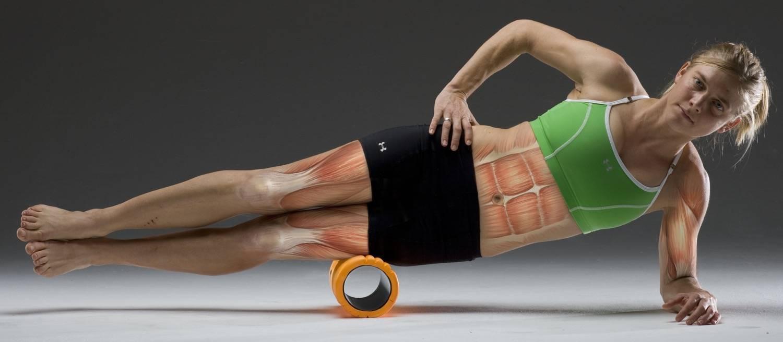 Массажный ролик: комплексы упражнений на ноги и спину