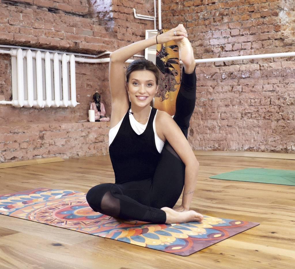 Основные асаны для начинающих — 30 поз йоги для новичков