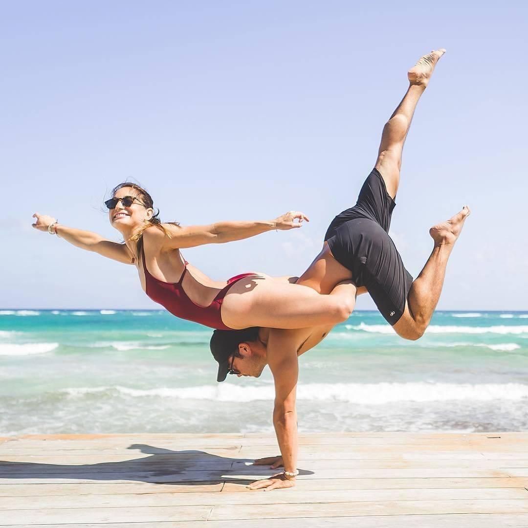 Парная йога - правила занятий и 12 простых асан для новичков