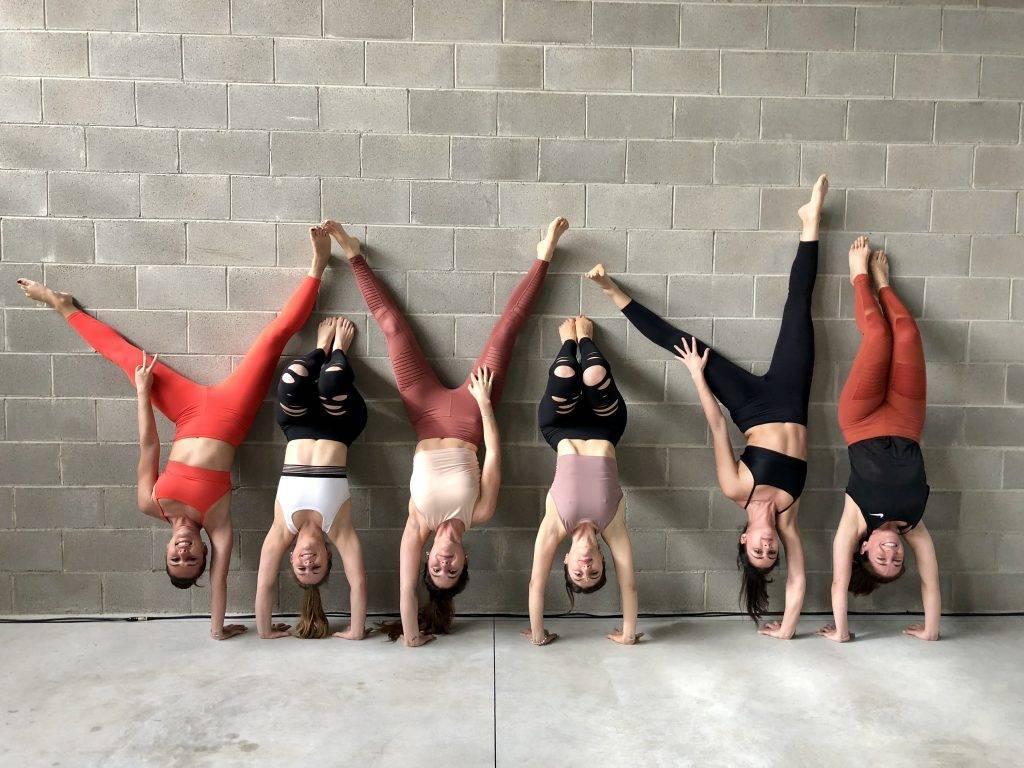 Комплекс йоги для мужчин — 135 фото силовых упражнений, базовые элементы и советы начинающим