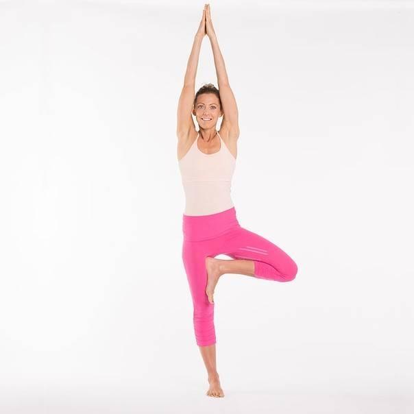 Поза дерева в йоге: техника выполнения и польза асаны