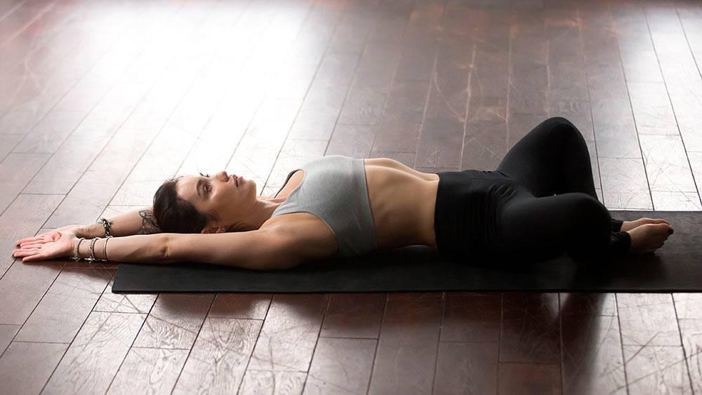Технкиа выполнения йоги шавасана