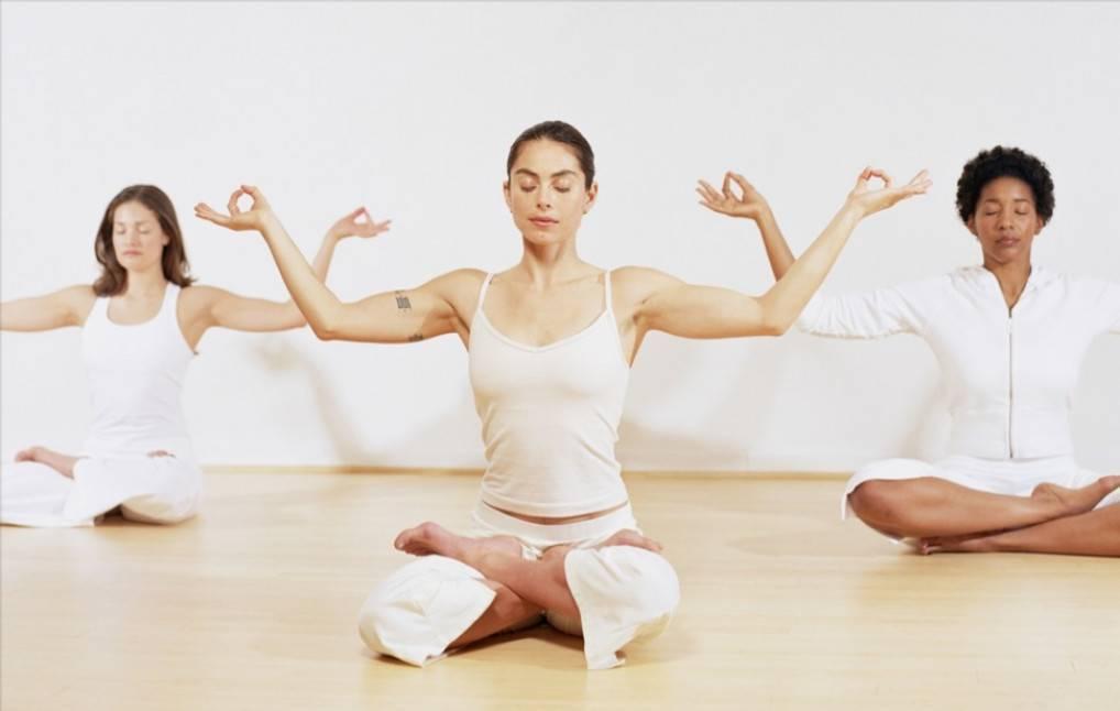 Как йога влияет на женский организм?