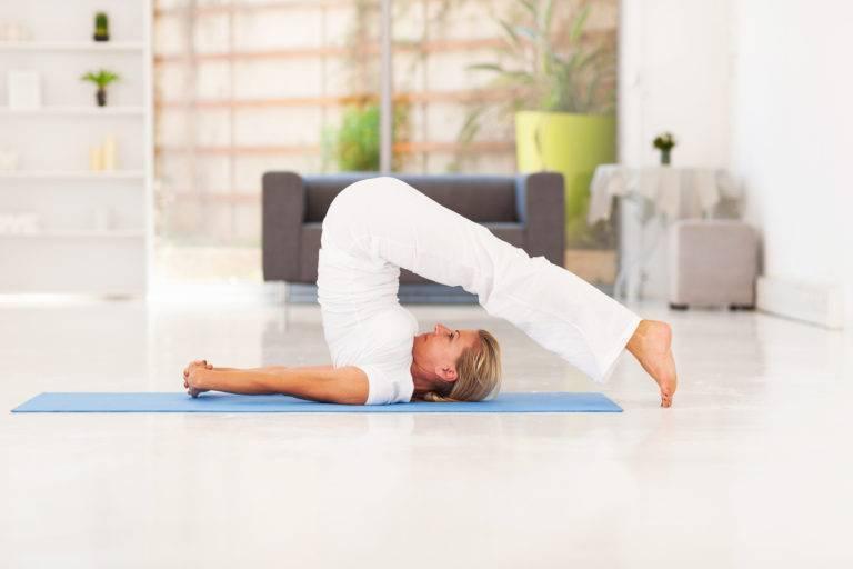 Йога для начинающих дома: самые простые упражнения