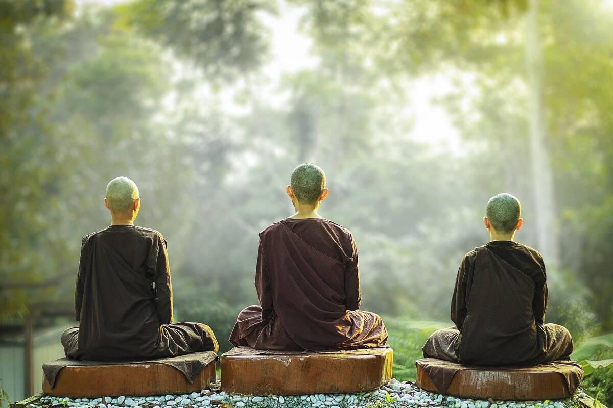 Единение через действие: основа и суть карма-йоги