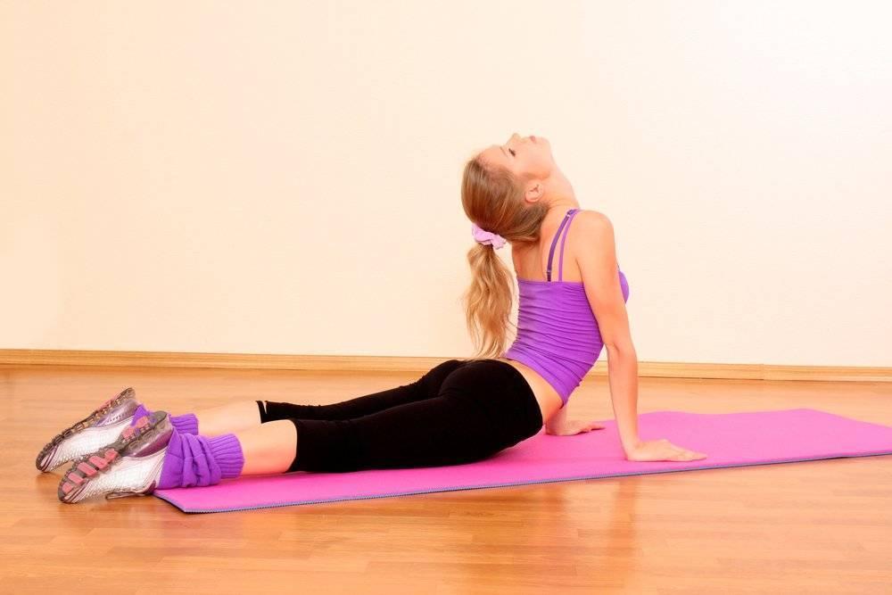 Йога для осанки —простые упражнения для выпрямления спины