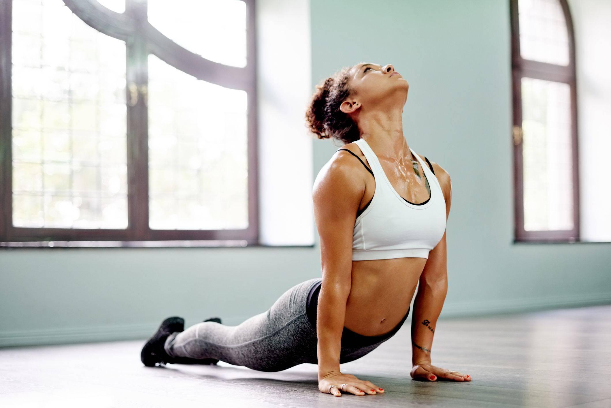 Польза горячей йоги для здоровья