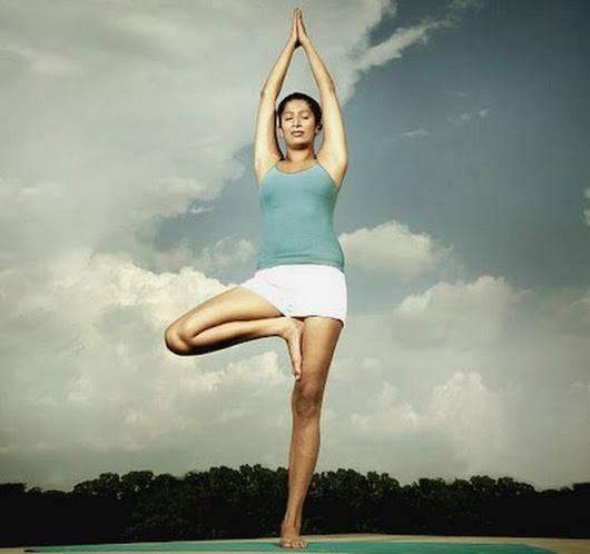 Врикшасана: поза дерева в йоге