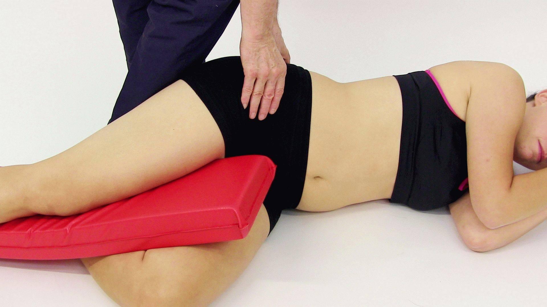 Йогатерапия: что это такое и видео для позвоночника, тазобедренных и коленных суставов