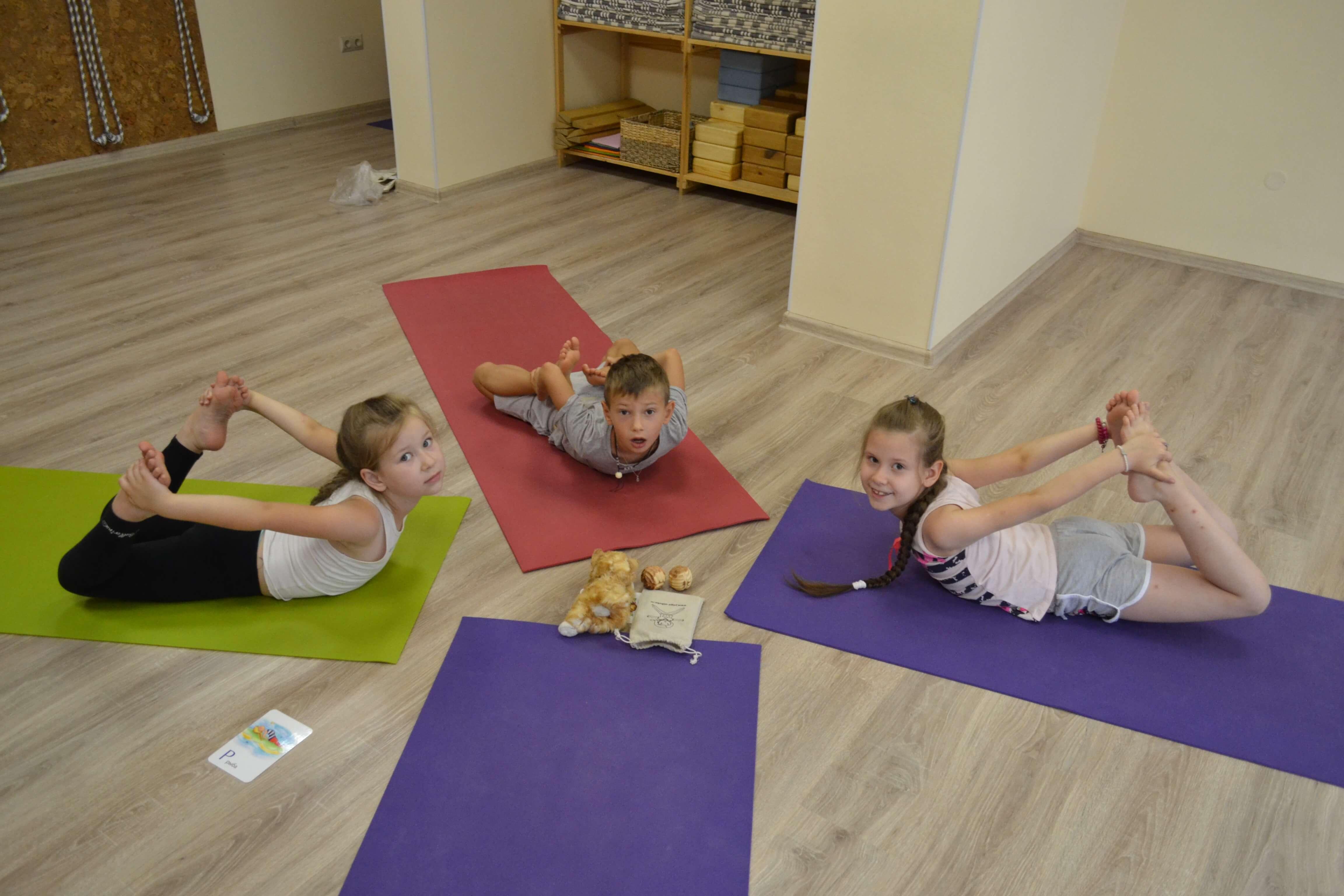 Детская йога: нужна ли она ребенку?