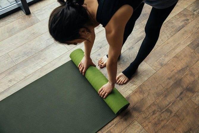 Как выбрать коврик для йоги и фитнеса: 7 параметров