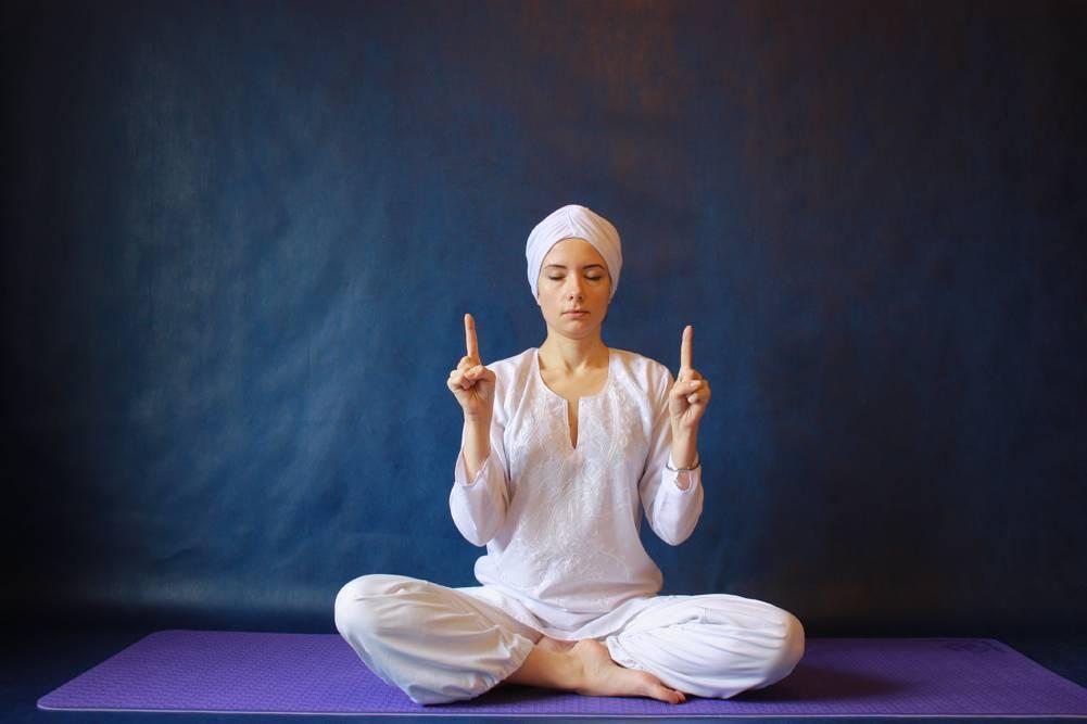 Медитация кундалини: преимущества и практика мантры са та на ма