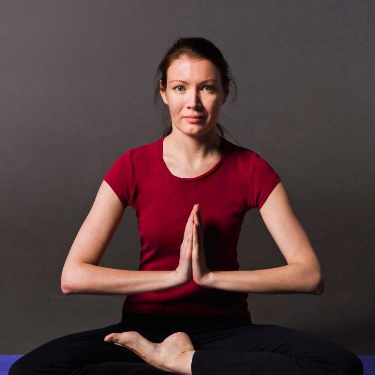 Йога для лица эннлайз хаген — 14 асан против старения