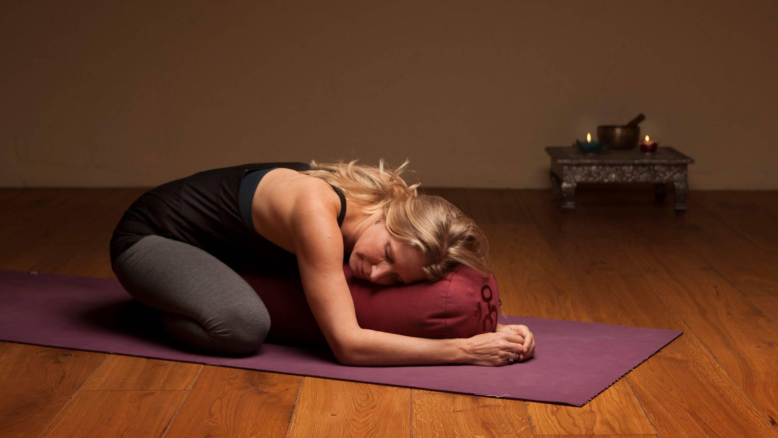 Йога от бессонницы - помогает ли и что выбрать