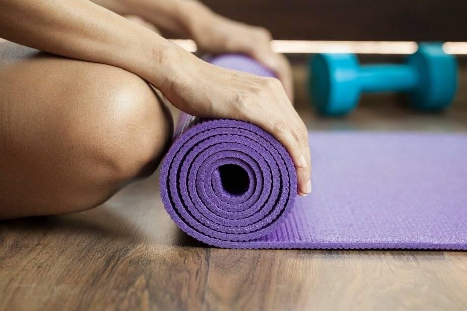 Как правильно выбрать коврик для йоги или сделать своими руками