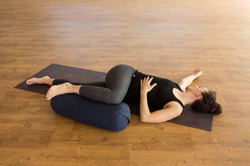 Уроки йоги для начинающих: бесплатные видео для занятий дома - все курсы онлайн