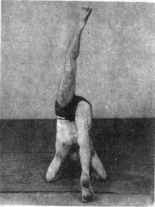 Это не магия, это йога для суставов — сукшма-вьяяма. чтобы проработать энергетические центры и восстановить суставы…