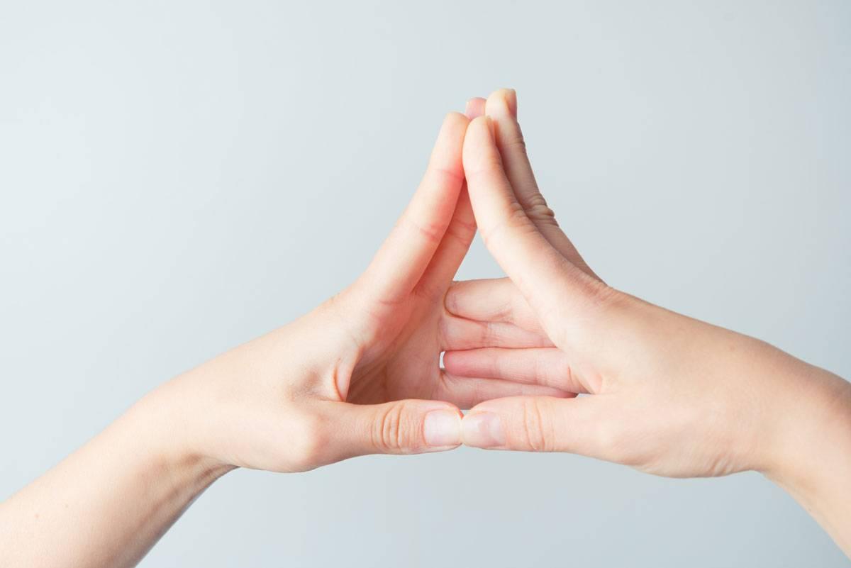 Мудра «поднимающая». исцеляющая сила мудр. здоровье на кончиках пальцев