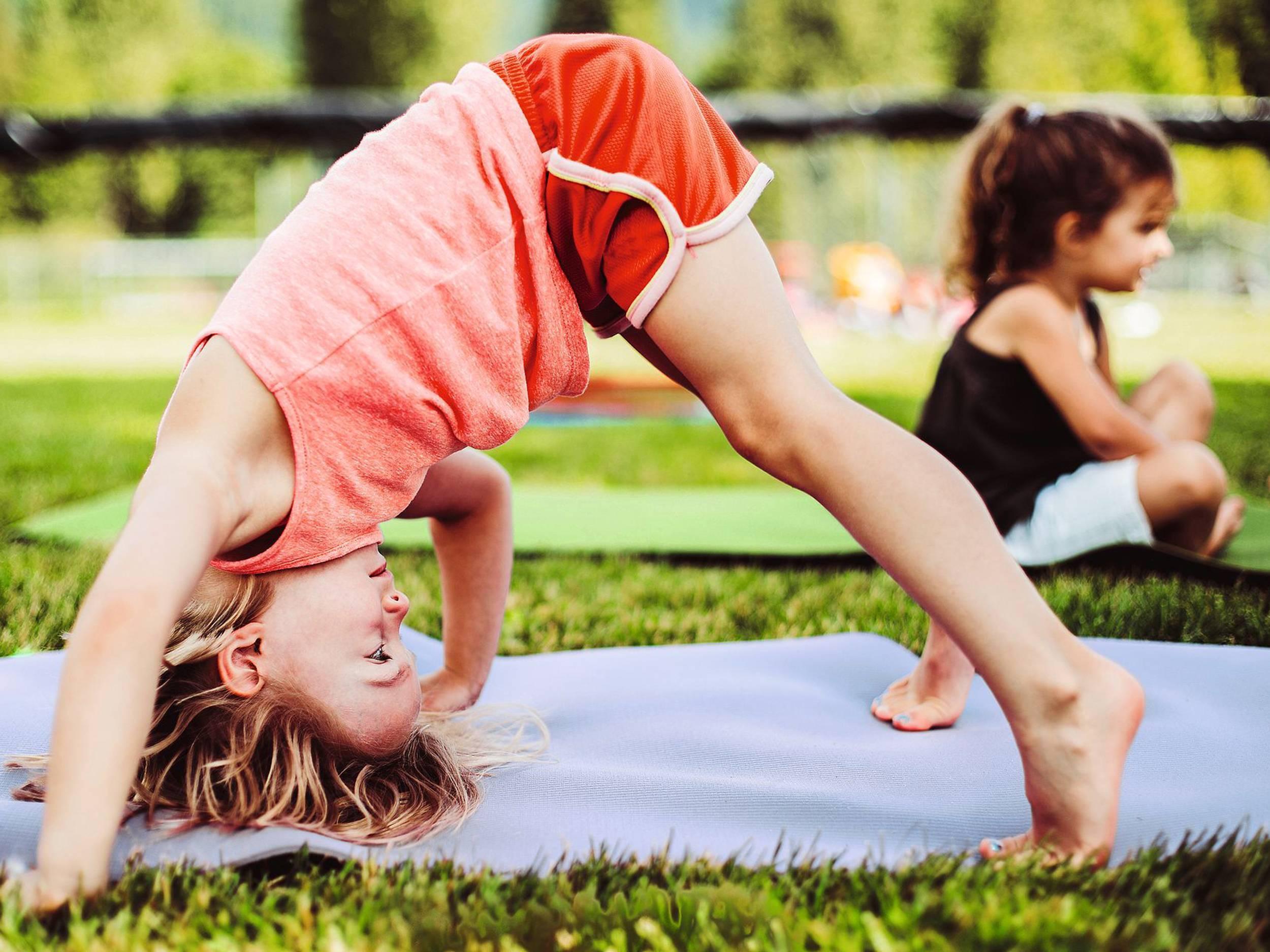 Йога для детей: польза, позы для ребенка, упражнения, противопоказания   активная мама