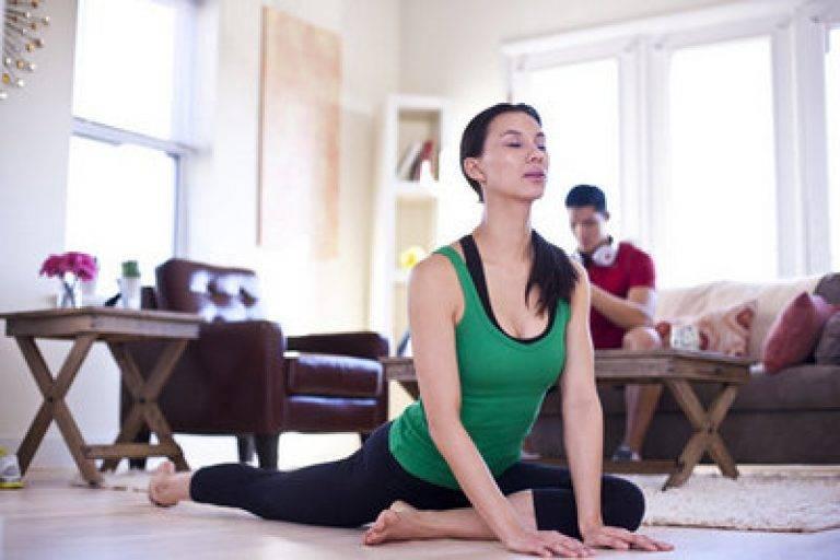 Йога для начинающих дома — обзор основных тренировок и базовых упражнений. основные понятия современных практик (135 фото и видео)