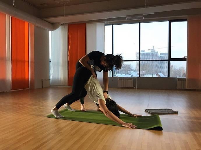 Силовая йога: упражнения для похудения живота и боков