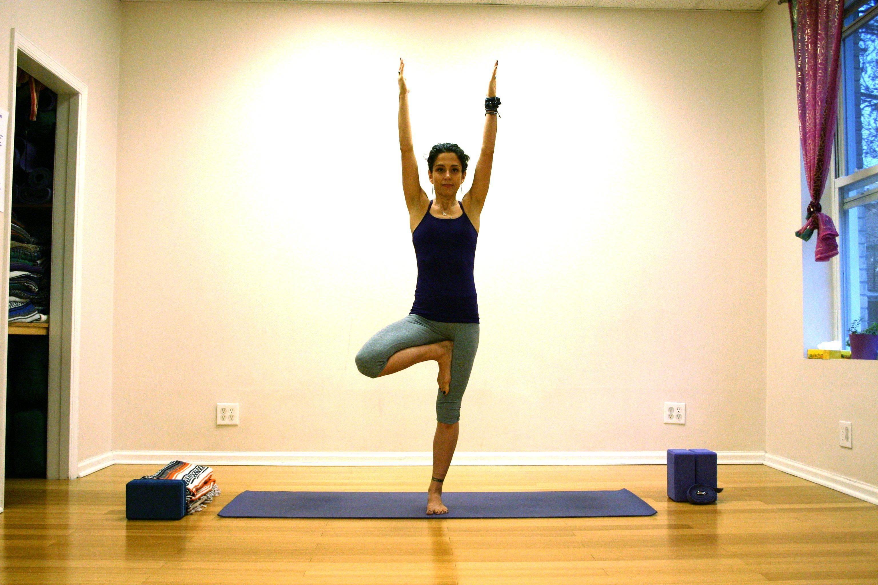 Врикшасана: обрести баланс и спокойствие   федерация йоги россии – федерация йоги россии