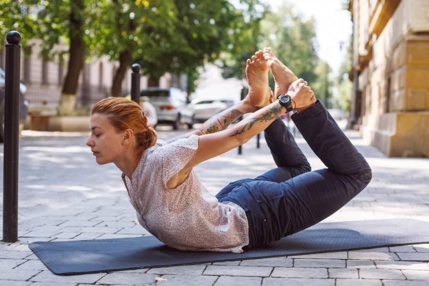 Дханурасана — поза лука в йоге | ramananda.org