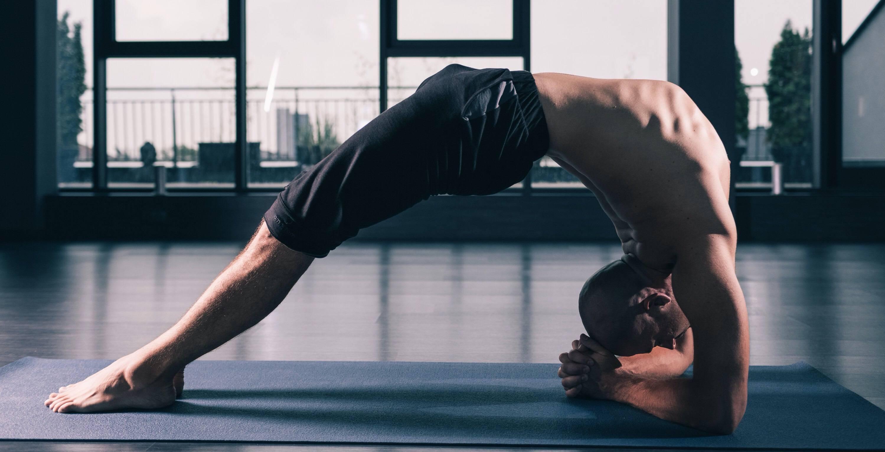 Йога для мужчин   yogamaniya