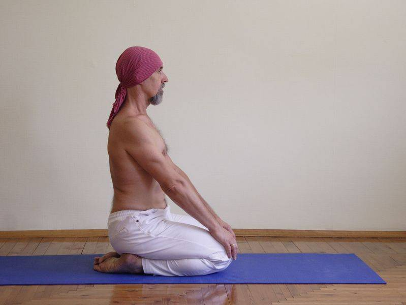 Убийца всех болезней: сарвангасана в йоге оздоравливает и омолаживает весь организм