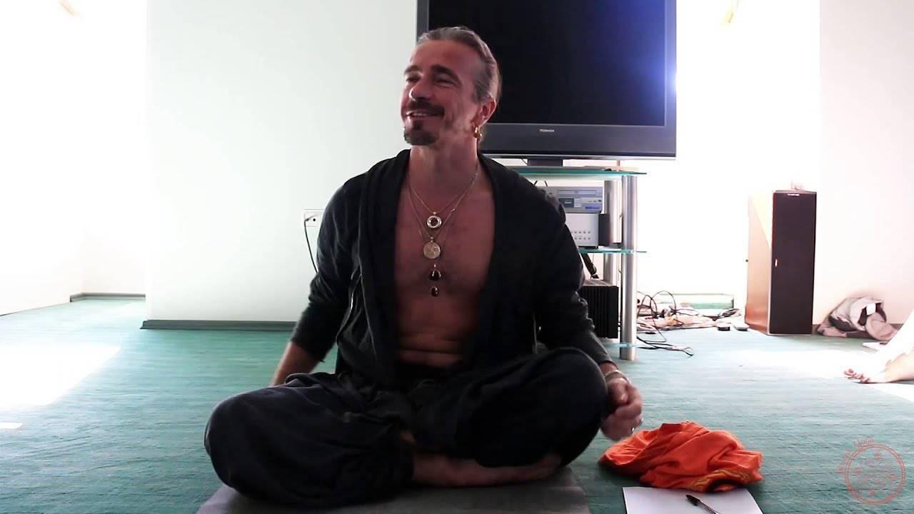 Йога от стресса и депрессии: правда или миф