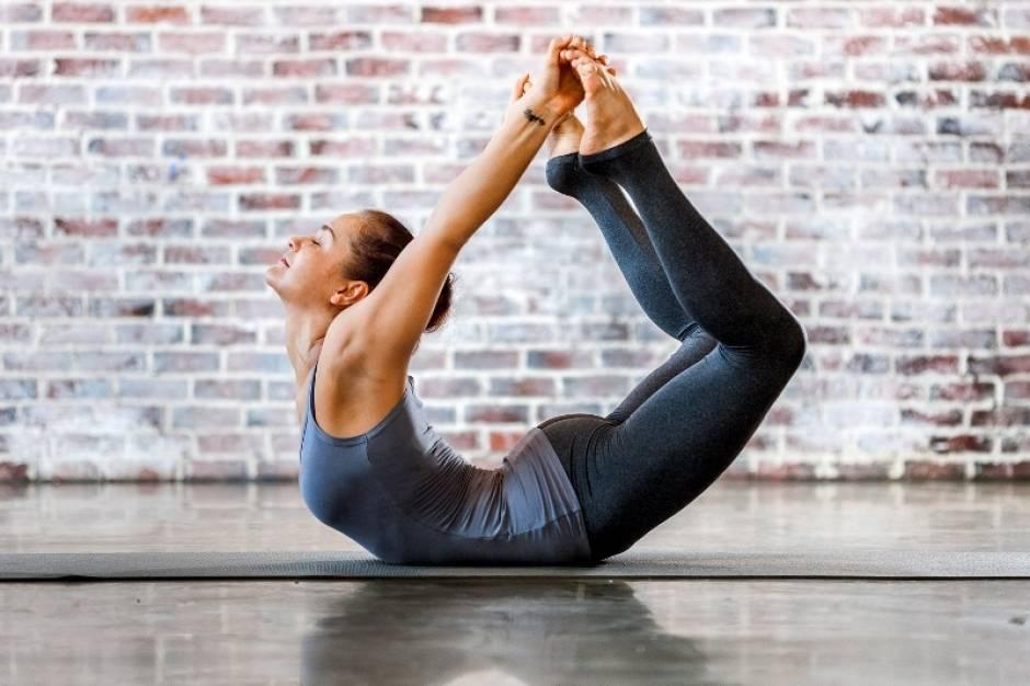 27.дханурасана. поза лука. йога для детей. 100 лучших упражнений для укрепления здоровья