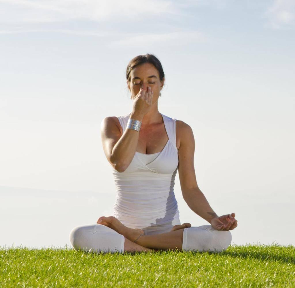 Йога при простуде: помощь в профилактике и лечении | yogamaniya