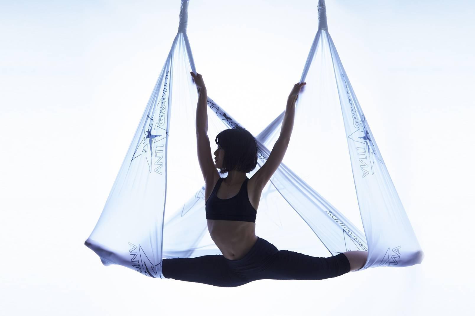 Воздушная йога в гамаках –польза и вред, упражнения – полезная еда