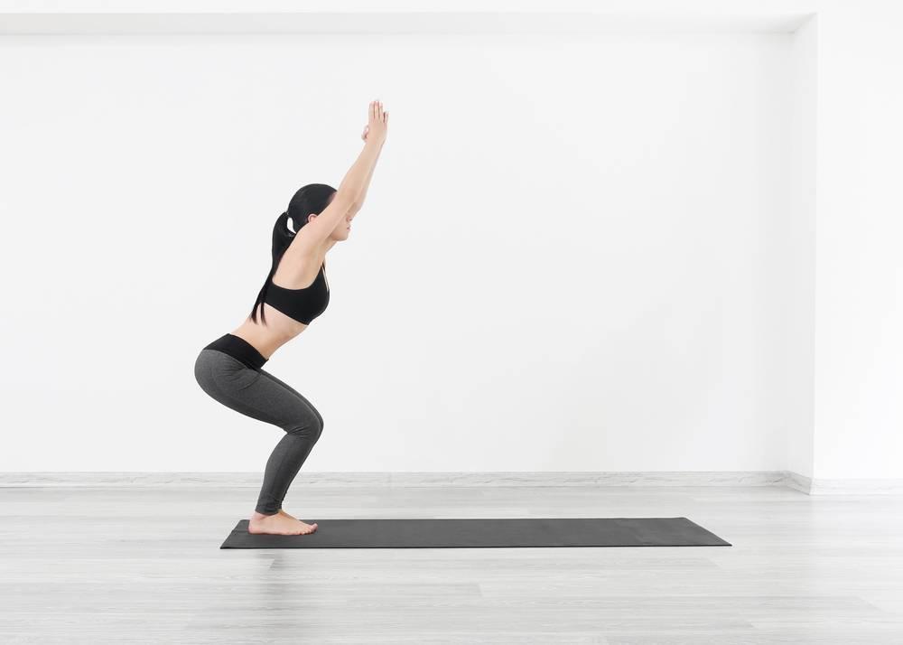 Уткатасана: поза силы и энергии   федерация йоги россии – федерация йоги россии
