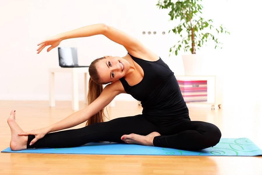 Йога для женщин после 50: польза, упражнения, комплексы