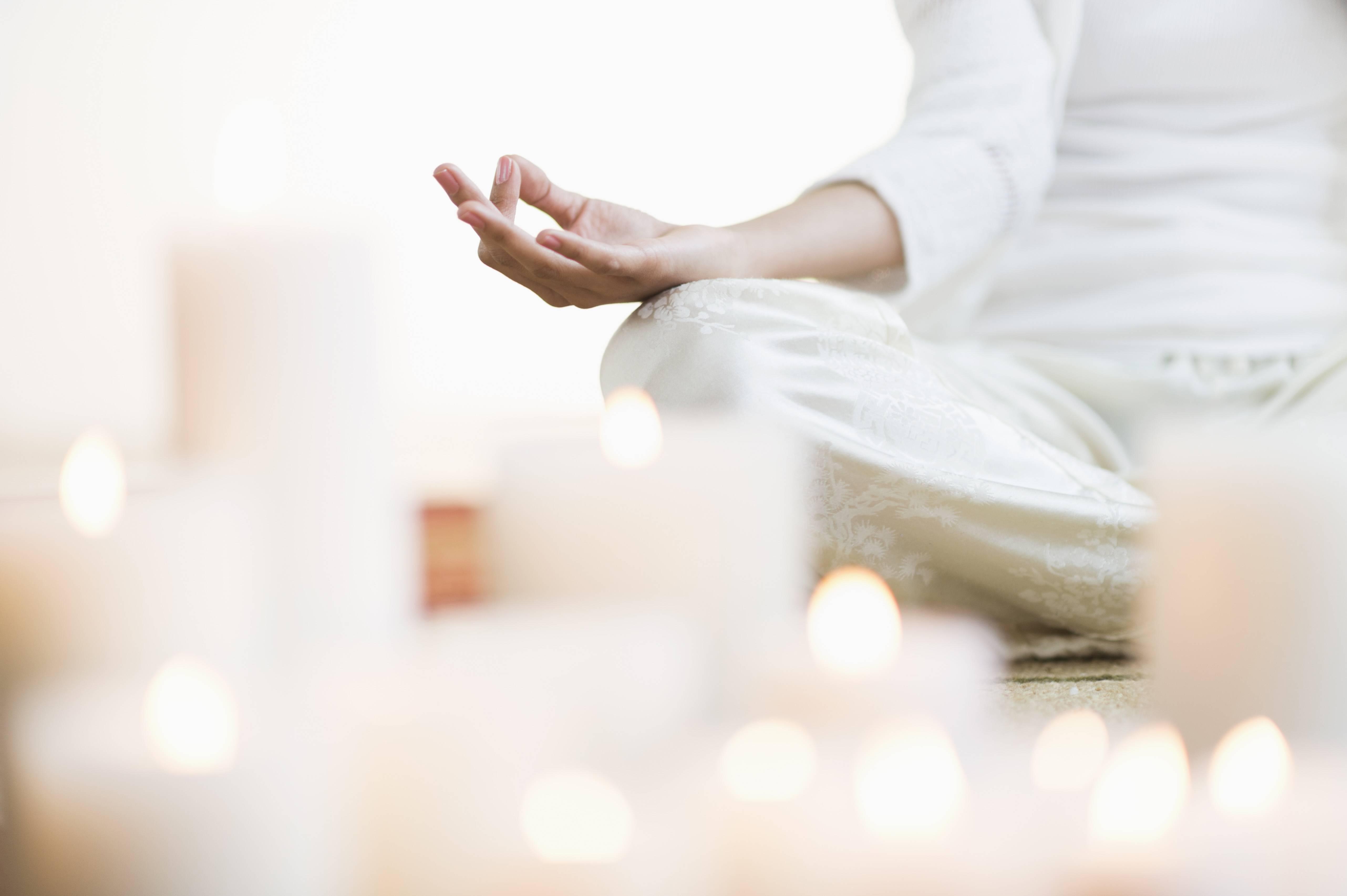 Начните день с утренних медитаций: эффективные и простые практики для женщин