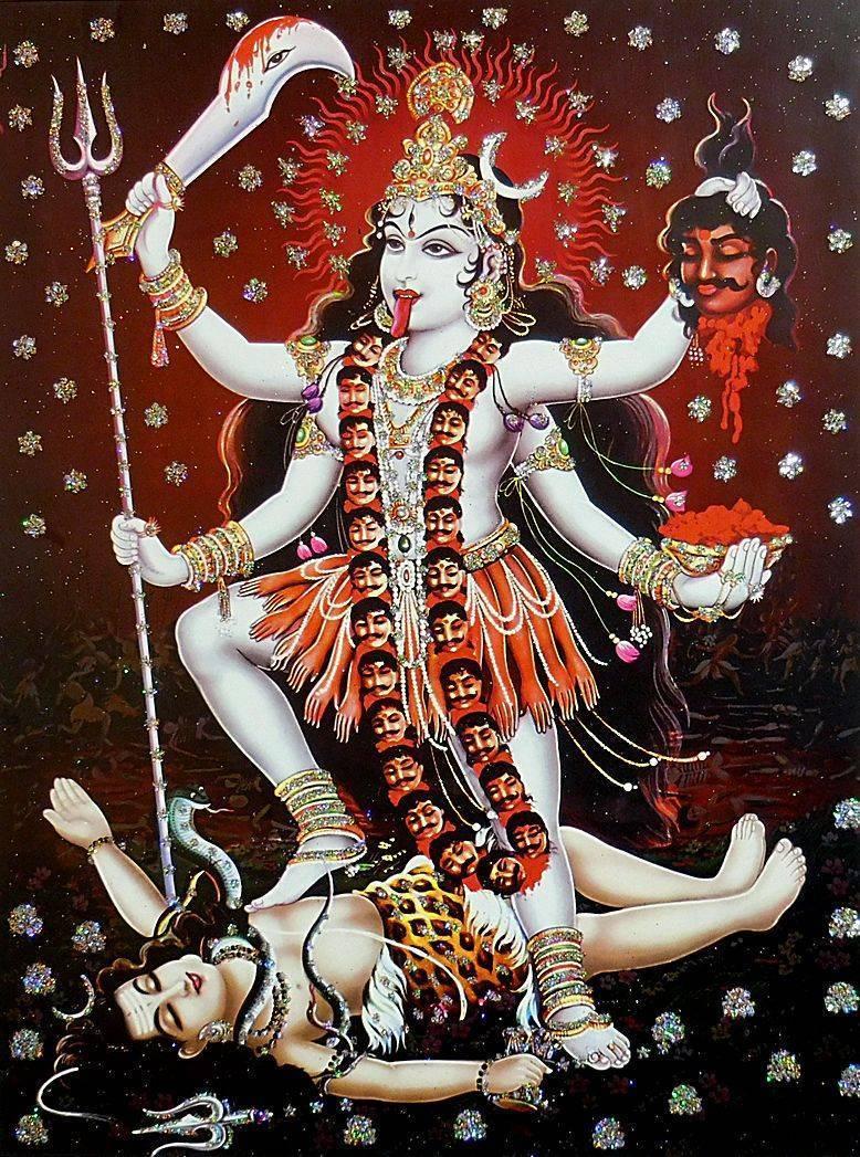 Индийская многорукая богиня кали - кровавая и могущественная