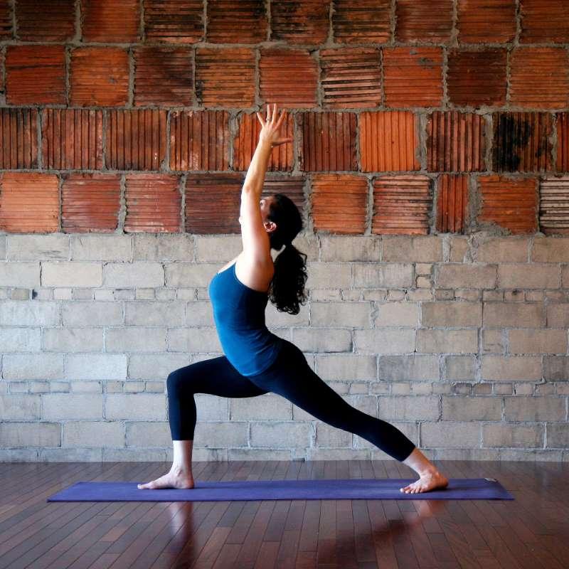 Поза верблюда в йоге: подробная техника выполнения с фото и видео