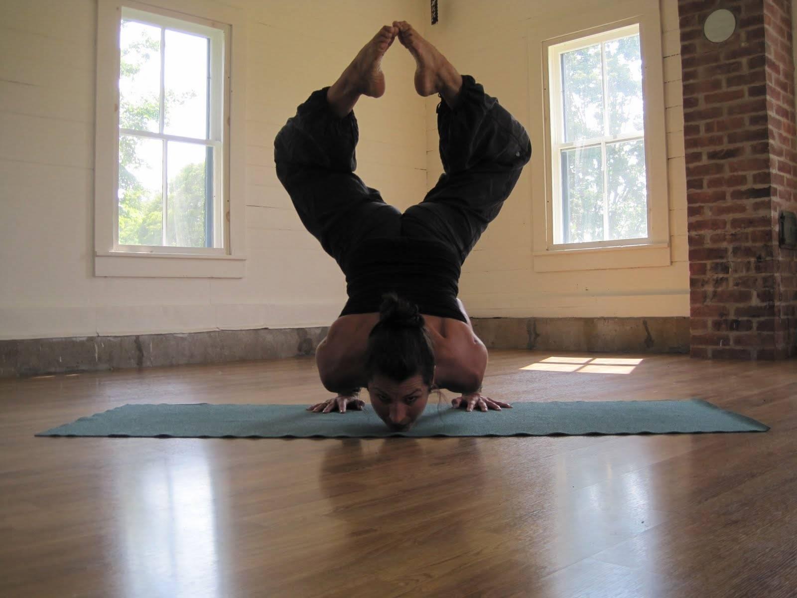 Асаны или позы йоги: описание, правила выполнения и названия