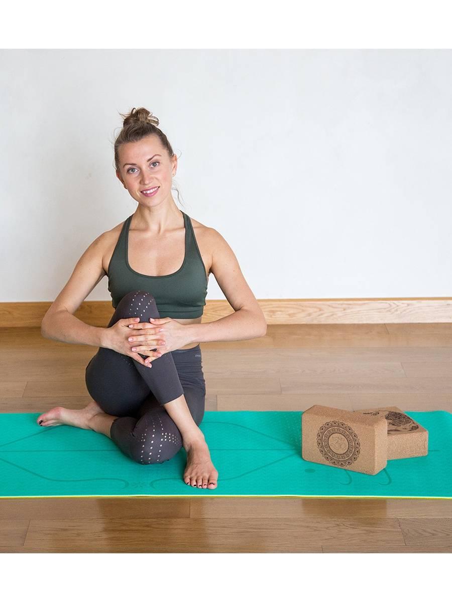 Как подобрать блоки (кирпичи) для йоги