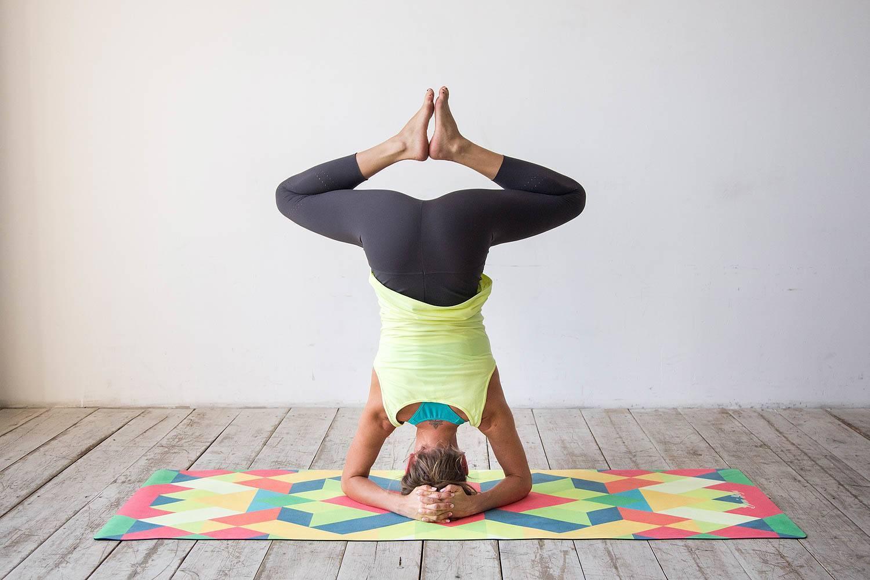 Как самостоятельно изучить йогу и начать заниматься дома с нуля - все курсы онлайн