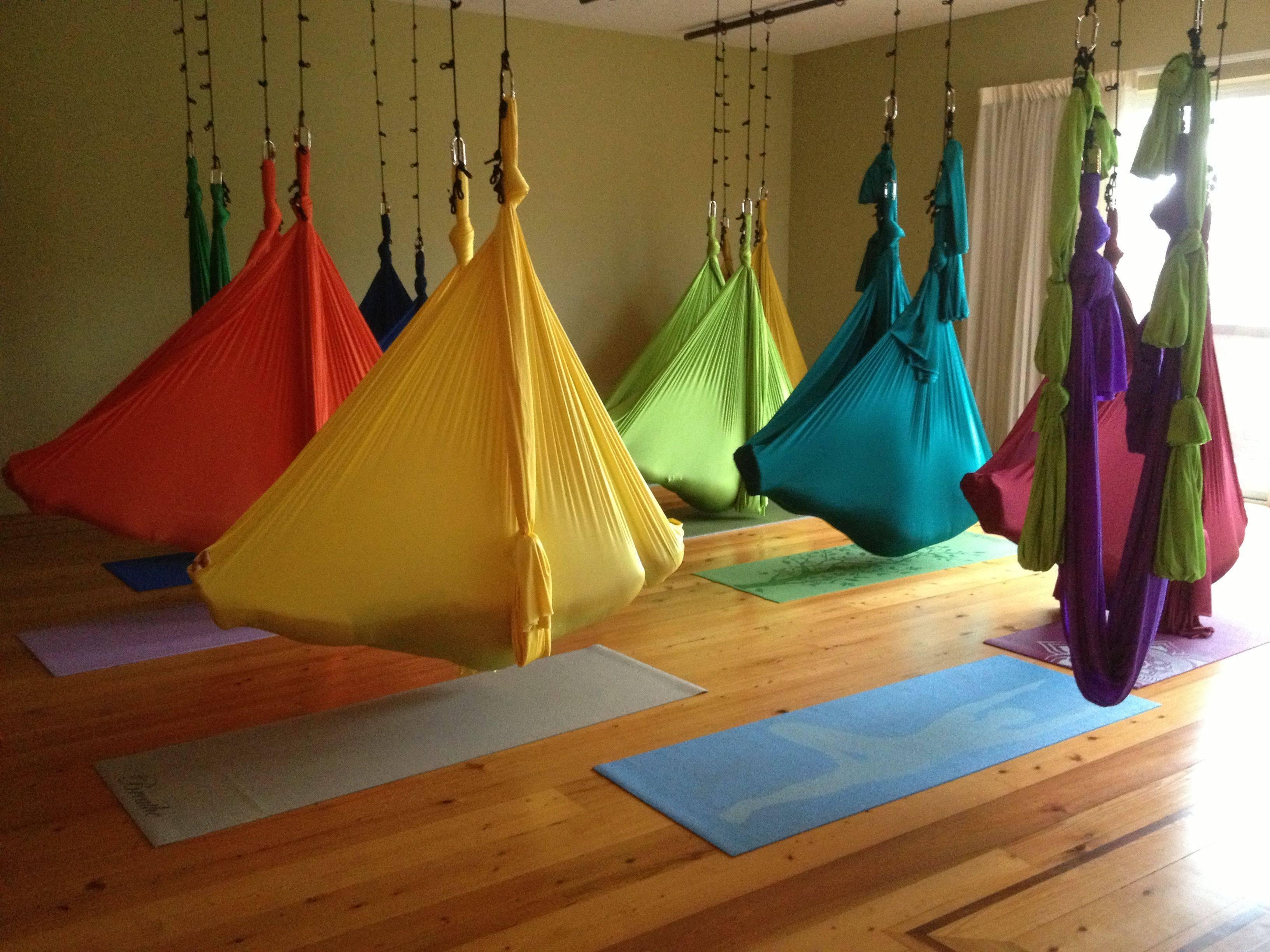 Гамак для йоги своими руками: как повесить и закрепить дома