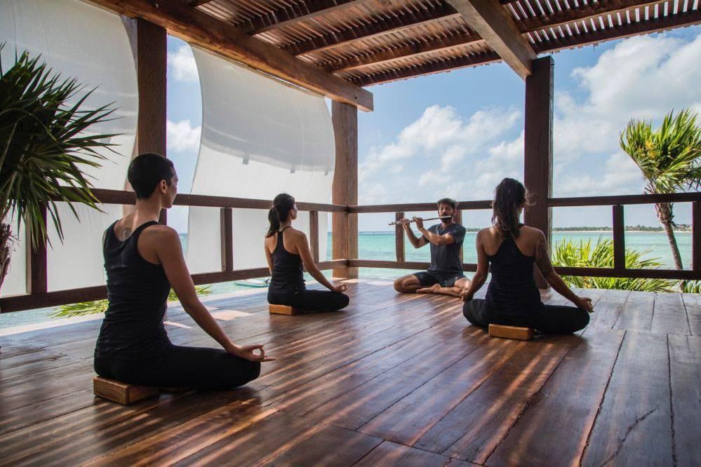Техники йоги, чтобы начать день правильно и с пользой для себя
