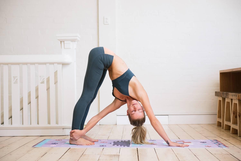 Асаны в йоге для начинающих: 10 безопасных и полезных асан в йоге на каждый день