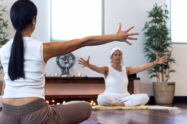 Что такое кундалини йога, что она даёт и чем отличается