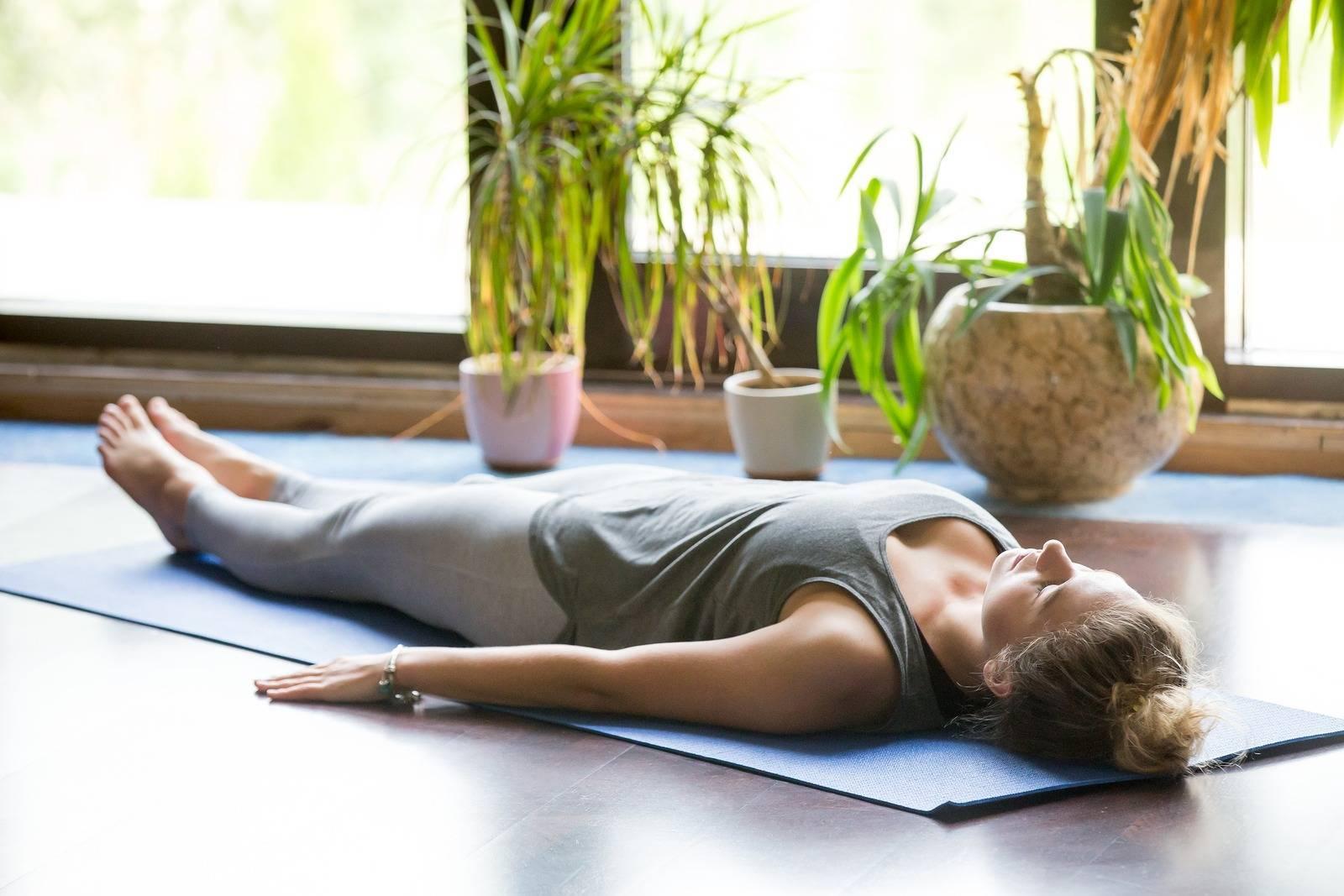 Топ-20 асан из йоги перед сном: лучшие упражнения для вечера