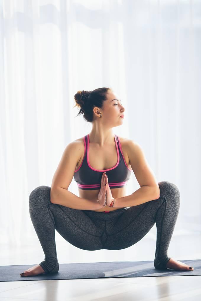 Йога для тазобедренных суставов: польза и противопоказания