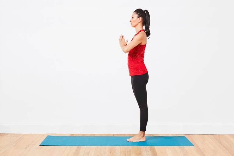 Поза наездника в йоге (ашва санчаласана) - правильная техника выполнения упражнения
