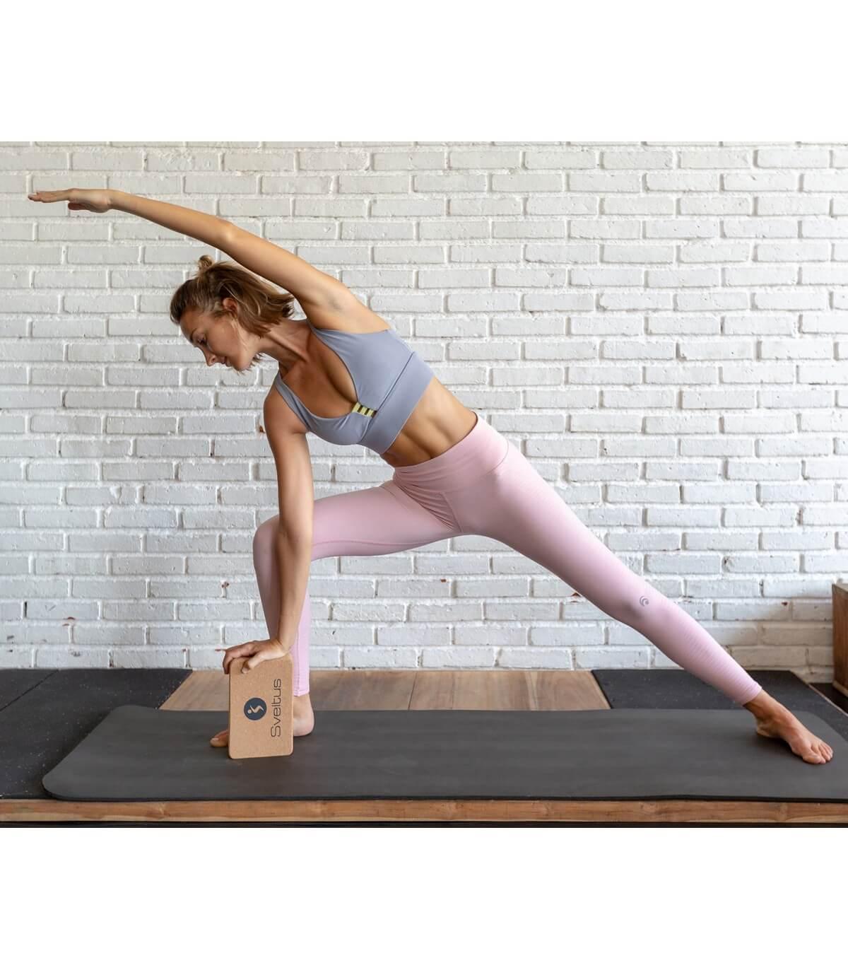 Чем заменить аксессуары для йоги в домашних условиях?